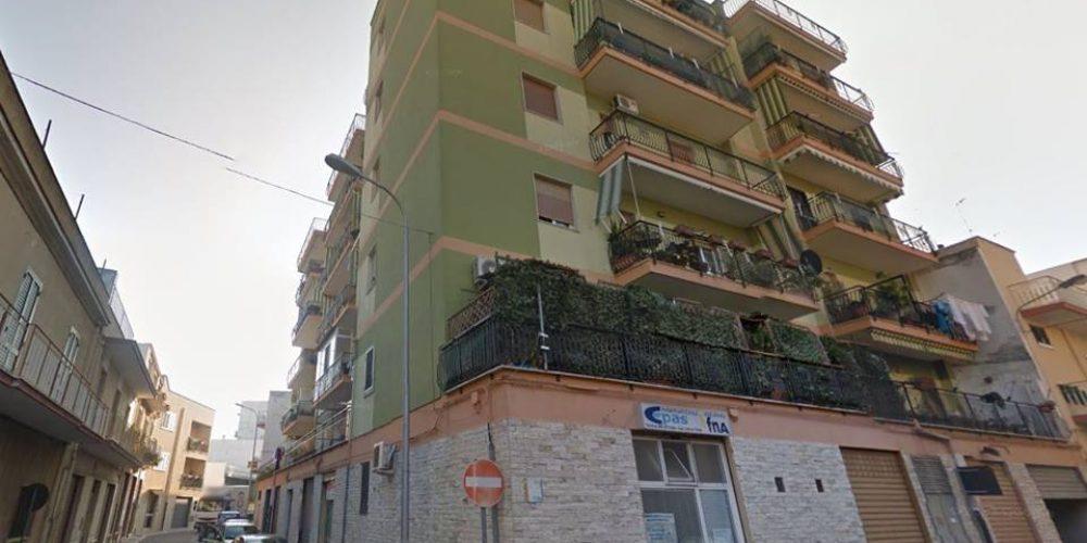 Nuovo prezzo per appartamento in via E. Diomeda, Rutigliano, 4 vani
